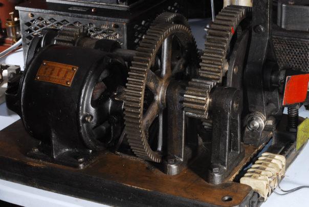 Foto eines Bergmann-Berlin Gleichstrommotors, Typ NM 1/4 mit Getriebe